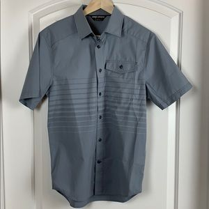Under Armour Men's Small Short Sleeve Button Down